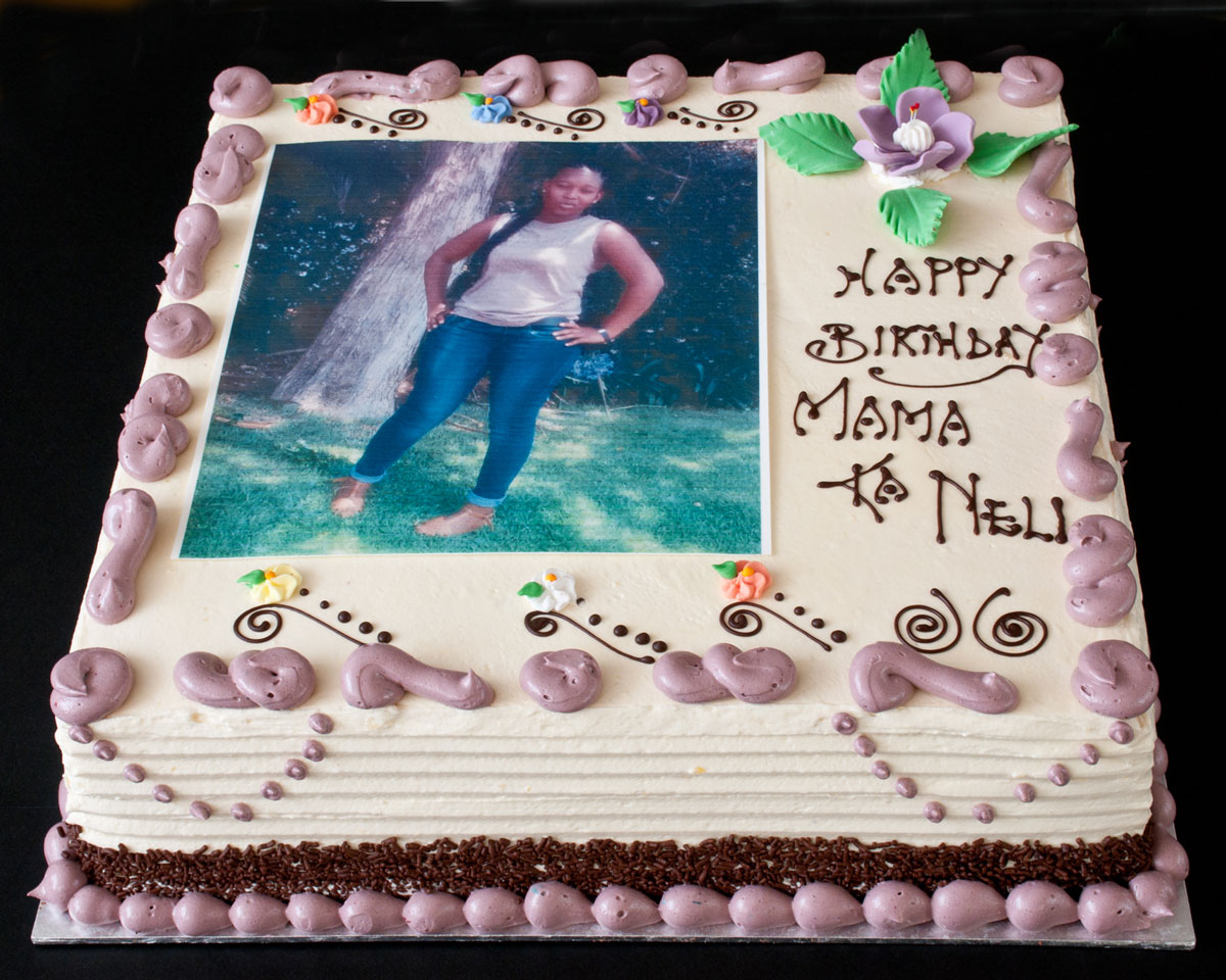 Vanilla Buttercream with rice paper picture